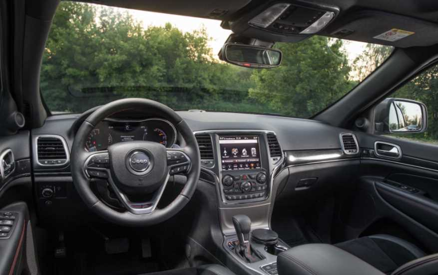 New 2022 Jeep Cherokee Trailhawk Review Interior